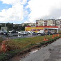 Стрельнинское шоссе. магазин Пятёрочка