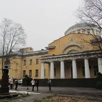 "Дача Воронцова-Дашкова (""Шуваловский дворец"") - центральное здание усадьбы"