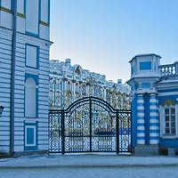 Екатерининский дворец с заднего входа