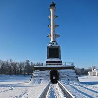 Чесменская колонна зимой