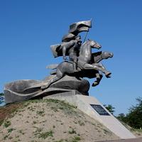 Памятник в честь 116-й Донской,кавалерийской дивизии, сформированной в г. Сальске в 1941 году.