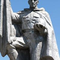 фрагмент памятника павшим героям