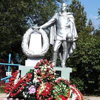 братская могила воинов,павших в ВОВ (кладбище)