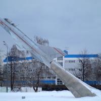 Самолёт-памятник в Жуковском  (у пересечения улиц Гагарина и Мясищева)