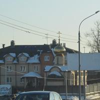Вид на церковь-часовню Иконы Божией Матери Владимирская