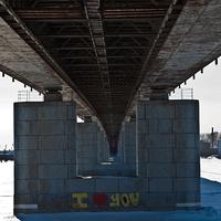 Под Краснофлотским мостом