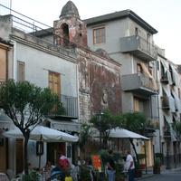 Via Sant'Anna, Castelbuono, старая церковь