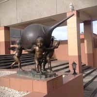 Памятник клизме в санатории Машук Аква-терм
