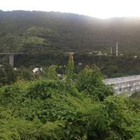 Один из новых районов Сан-Дени расположен в ущелье