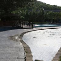 Hon Tam Island