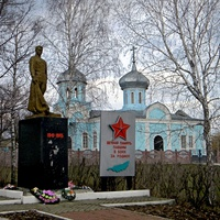 Братская могила 9 советских воинов
