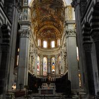 Генуя - интерьер кафедрального собора
