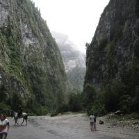 Юпшарское ущелье (Каменный мешок)