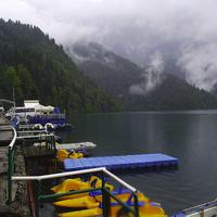 Набережная озера