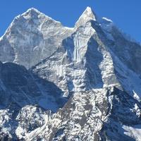 Горные вершины Гималаев.
