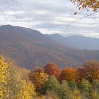 еще осенние горы