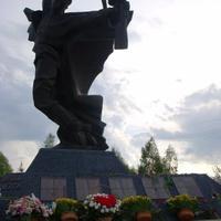 Пам'ятник загиблому солдату