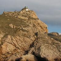 Диспетчерская станция на скале