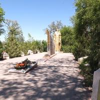 Братская могила-мемоиал павшим воинам в ВОВ