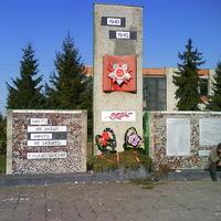 Памятник погибшим в ВОВ в Титовке