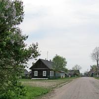 Улица деревни Лотевка со стороны д. Барово