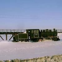 Норильск, памятник паровозу на севере, 1995 г.