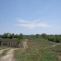холмики в селе Бычок