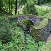 Мост рядом с замком Штернберк