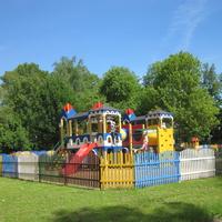 Городской парк. Детская площадка.