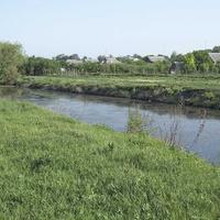 Река Барабой, на берегу которой расположено Мирное