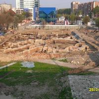 """Раскопки на месте будущей гостиницы """"Ирбис"""""""