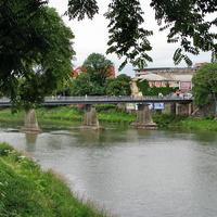 Мост через реку Уж