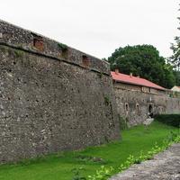 Укрепления замка со стороны улицы Капитульной