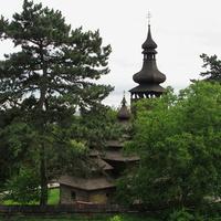 Деревянная церковь Михаила Архангела в музее народной архитектуры и быта Закарпатья