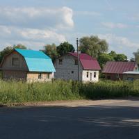 Дома в деревне Коломенская
