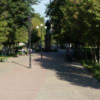 Площадь Ильича, памятник Ленину