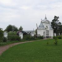 Территория храма Рождества Христова