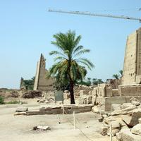 Более разрушенная часть храмового комплекса