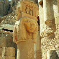 Часовня Хаткор (юг комплекса храма Хатшепсут)