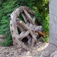 Al Maris, банановые плантации, колесо воденого насоса