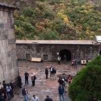 Вид во двор монастыря