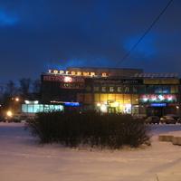 """Шоссе Революции, 31 - """"Ладога"""""""
