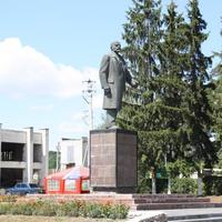 памятник Ленина.