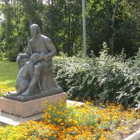Охотничий Дом-музей Н.А. Некрасова, памятник  с любимой собакой