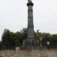Полтава. Памятник героям Полтавской битвы.