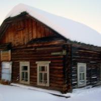 Щекурья. Старое здание магазина. Постройка первой половины 20-ого века.