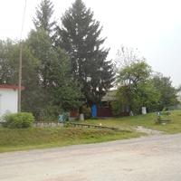 В центрі села