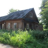 В зтом доме жил игумен Никон, служивший в храме с 1959 по 1998 г.