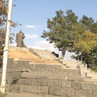 Памятник адмиралу Исакову