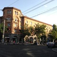 Здание на улице Абовяна